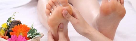 O脚・X脚の原因は足の裏に!足裏エクササイズをご紹介