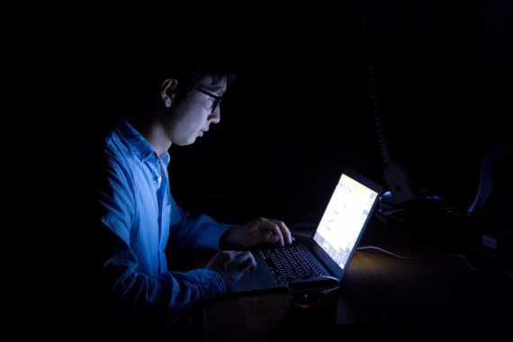 「中高生のネット依存者が推計52万人」から見るカラダへの4つの弊害