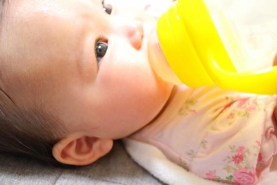 母乳神話も良いけど、他人の母乳をしかもネットで買うってどう?